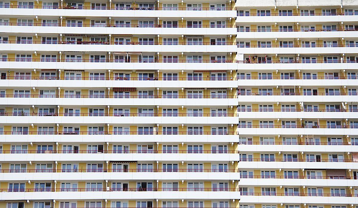 Occupazione abusiva delle case popolari: il permissivismo non è meglio dell'abusivismo