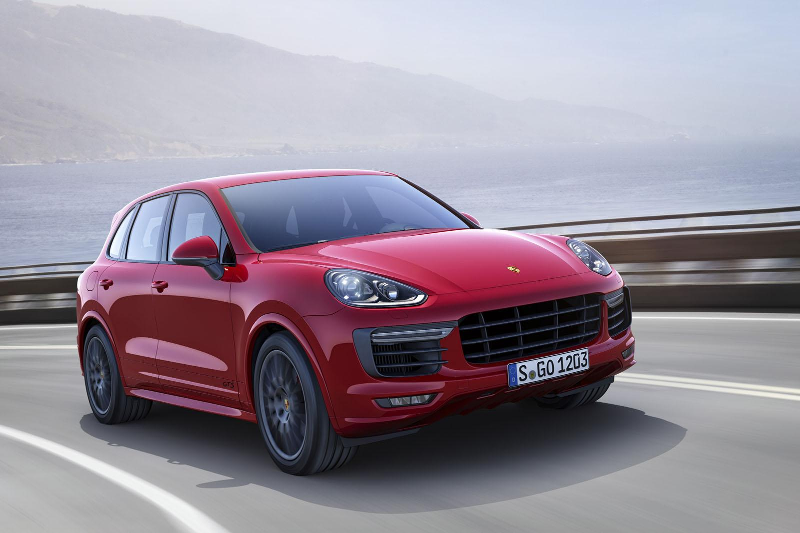 Porsche Cayenne e Cayenne GTS 2015: prezzi e scheda tecnica