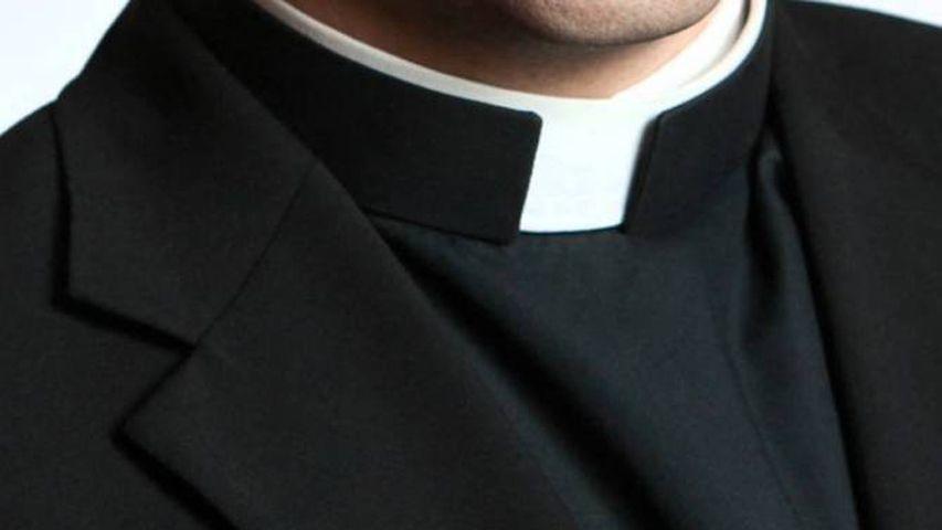 Minacce e ricatto al parroco: '2.500 euro o pubblichiamo le foto hard'