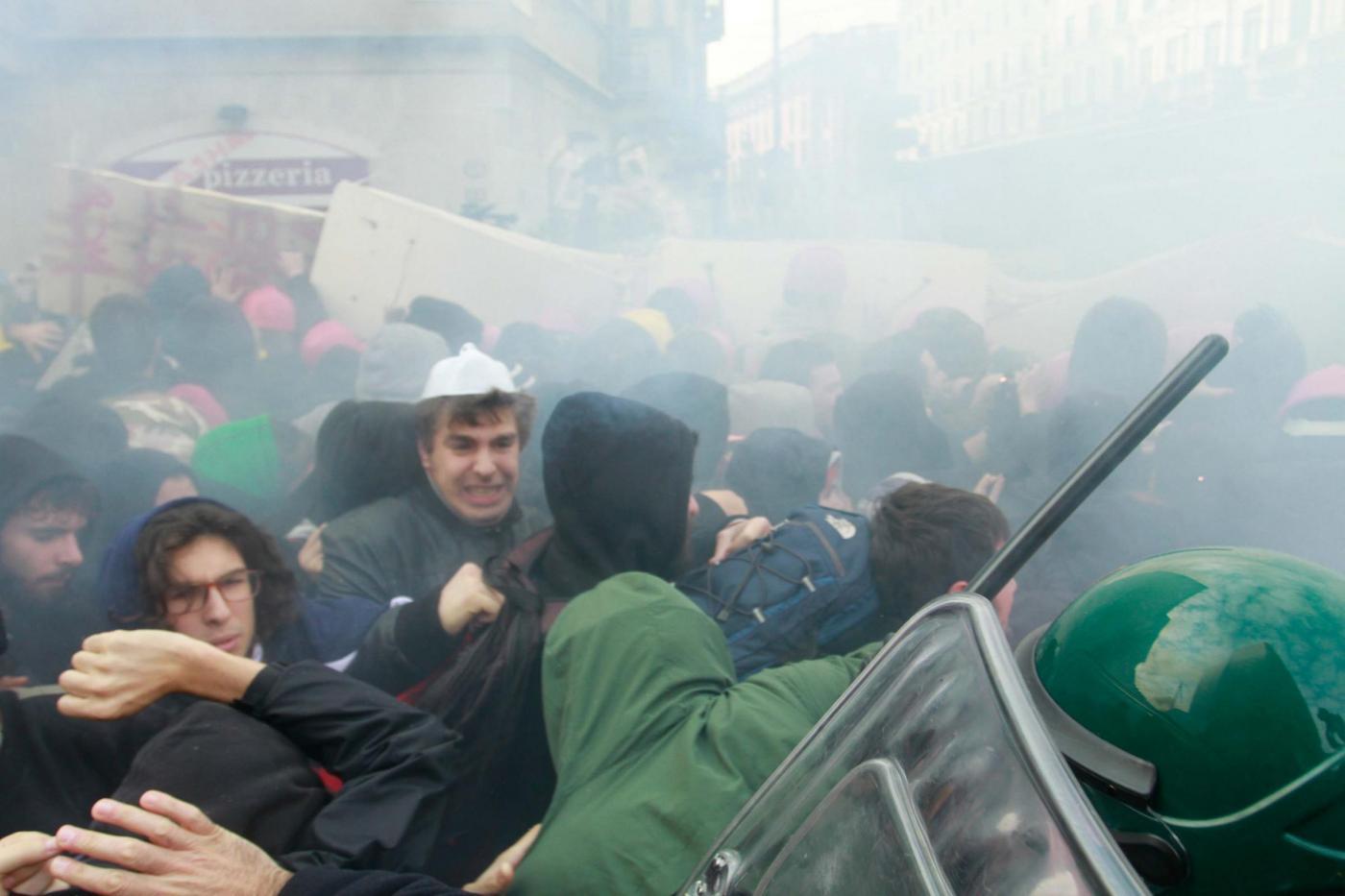 Sciopero generale 14 novembre in 25 città: guerriglia a Milano