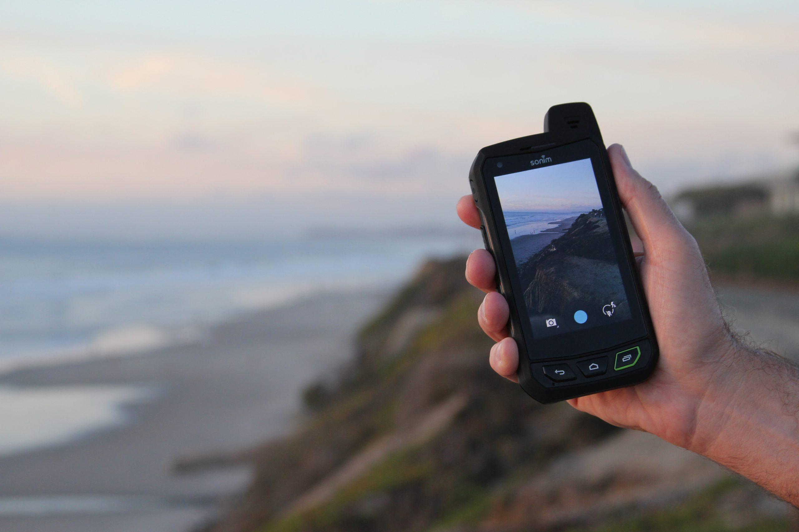 Lo smartphone più indistruttibile al mondo