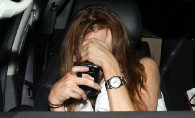 Stalker posta le foto dell'ex moglie sui siti hard: al via il processo