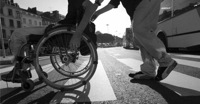 Falsificavano verbali dell'Asl per la pensione di invalidità: 20 arresti