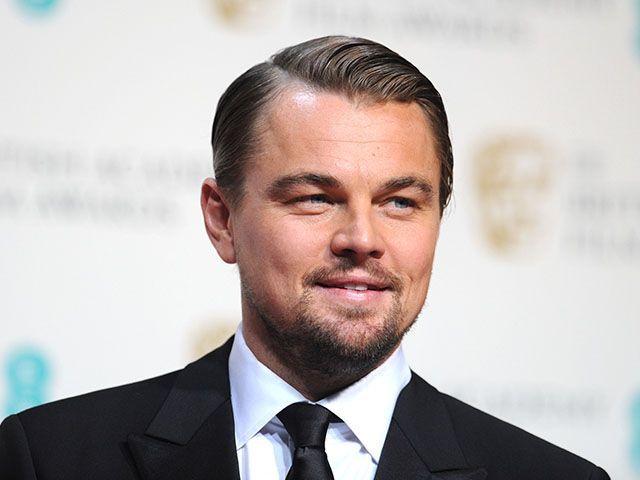 Leonardo DiCaprio cerca la fidanzata su Tinder, l'app per trovare donne e appuntamenti