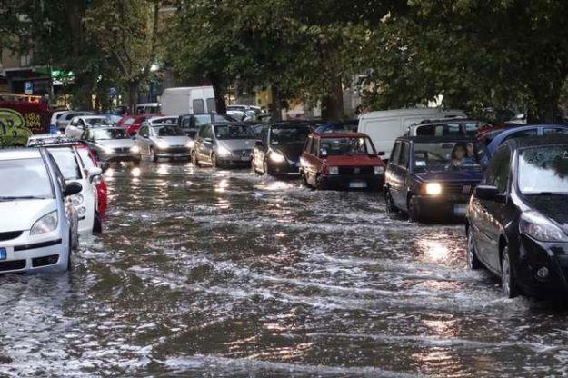 Maltempo in Italia: disagio stradale a nord e sud
