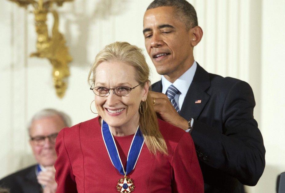 Meryl Streep e Stevie Wonder ricevono da Obama la Medaglia della Libertà