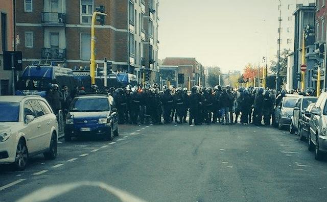 Occupazioni abusive Milano: lo sgombero si trasforma in guerriglia