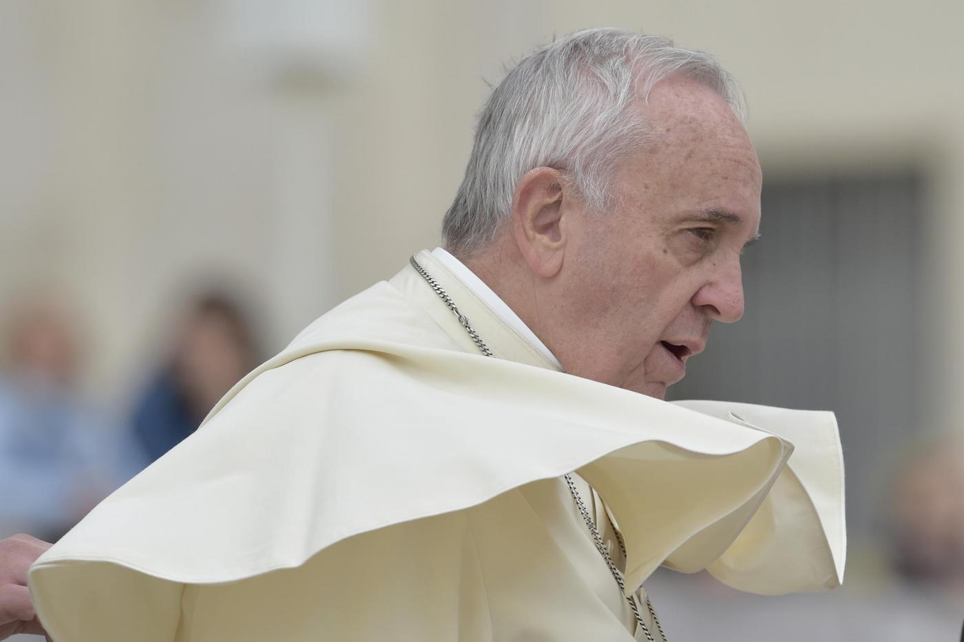 Papa Francesco a Casa Santa Marta: 'Una mancia qui, una tangente là e si arriva alla corruzione'
