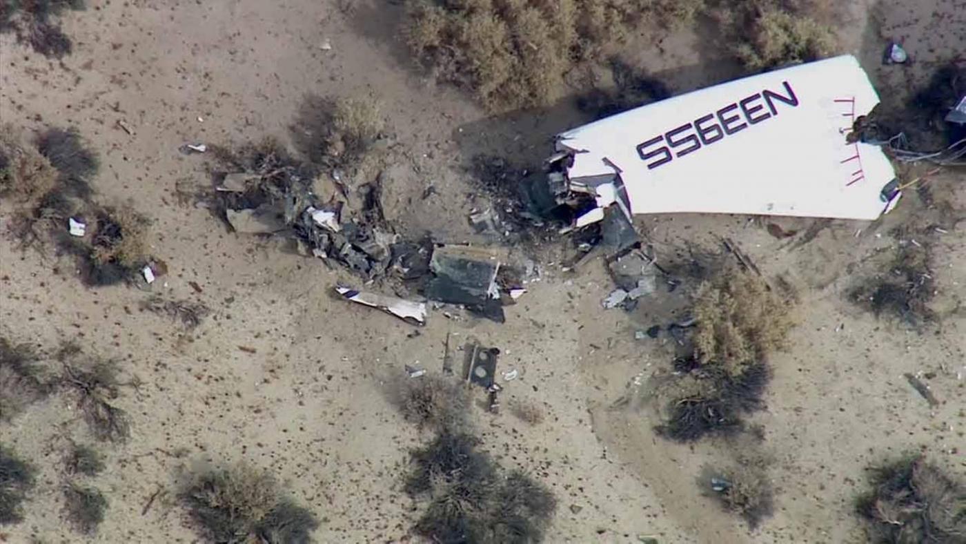 Virgin Galactic: la navetta spaziale SpaceShipTwo precipita in California, morto il pilota