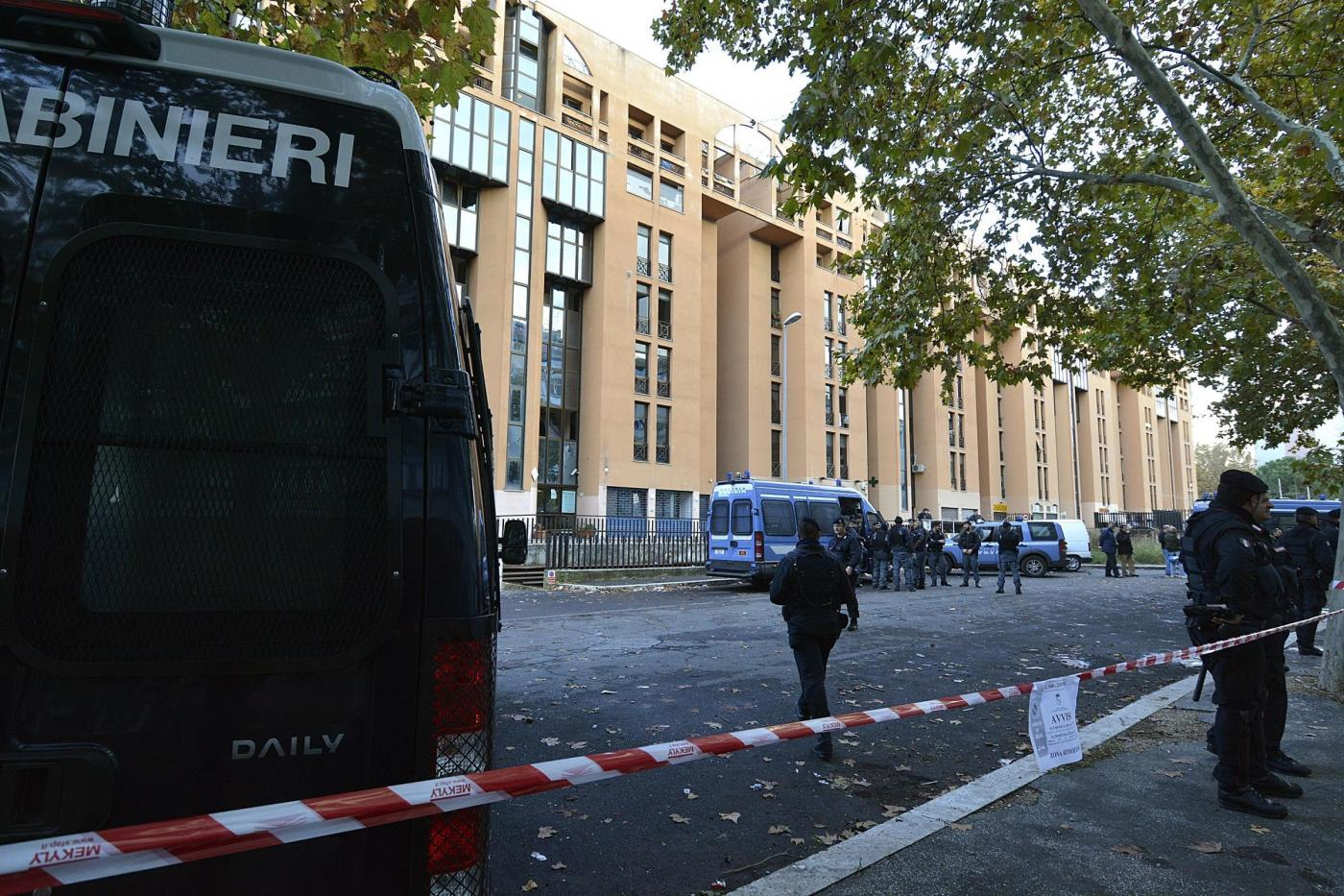 Tensioni a Roma fra residenti e immigrati nel quartiere di Tor Sapienza