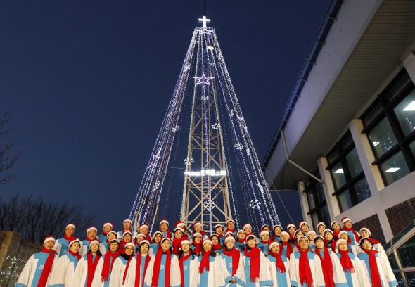 La Corea del nord minaccia il Sud per l'albero di Natale