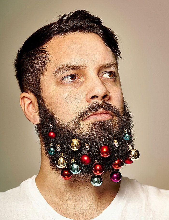 Decorazioni nartalizie da appendere sulla barba