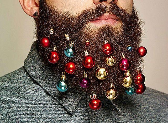 Decorazioni natalizie da barba, la nuova moda hipster