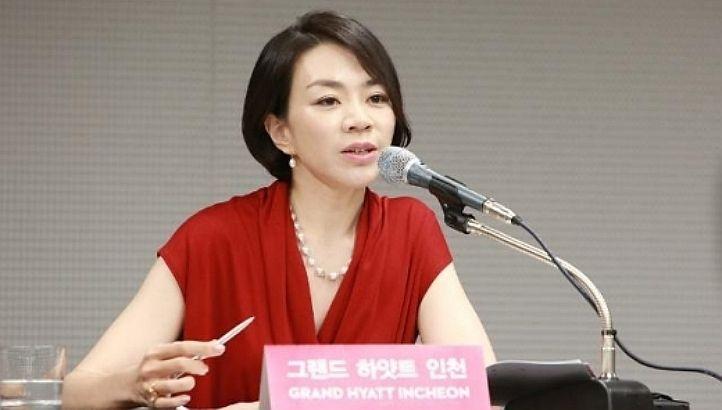 Korean Air: servono noccioline in sacchetto, la figlia del Ceo fa tornare indietro l'aereo
