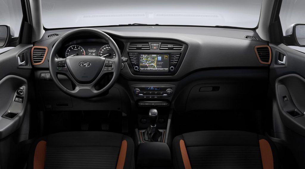 Hyundai i20 Coupe interni 1024x568
