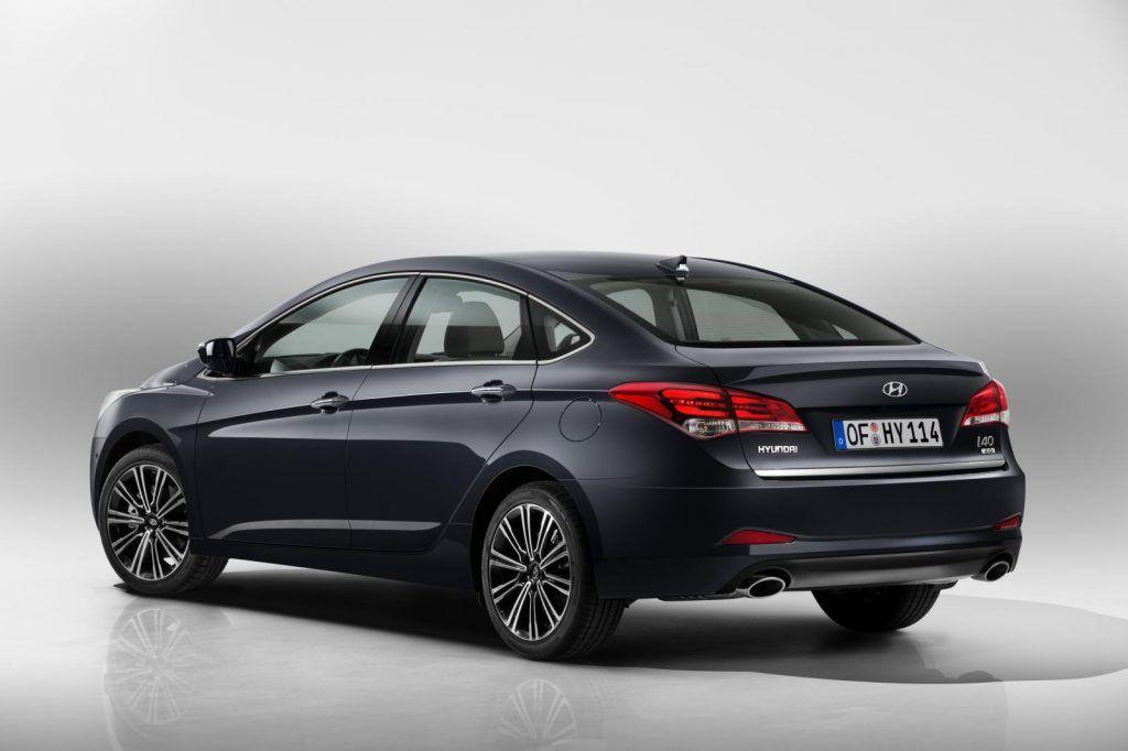 Hyundai i40 2015 vista da dietro 1024x682