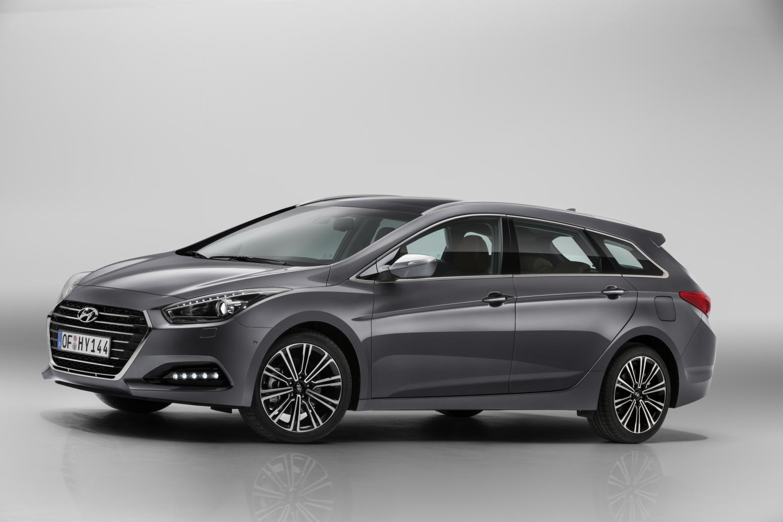 Nuova Hyundai i40 2015, berlina e wagon: motori e caratteristiche