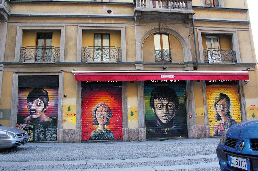Artisti di strada famosi: da Roma a Milano un viaggio nell'arte urbana contemporanea