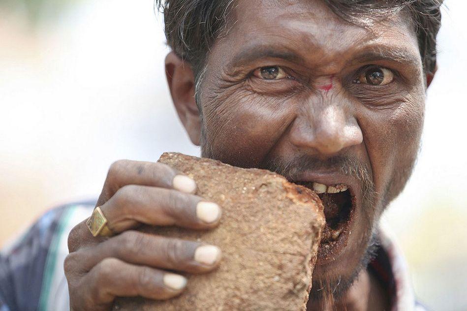 Picacismo: storie di persone che mangiano oggetti non commestibili