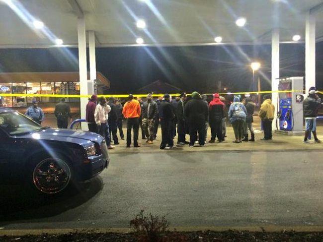 USA, ragazzo nero ucciso dalla polizia a St Louis: tensione e proteste