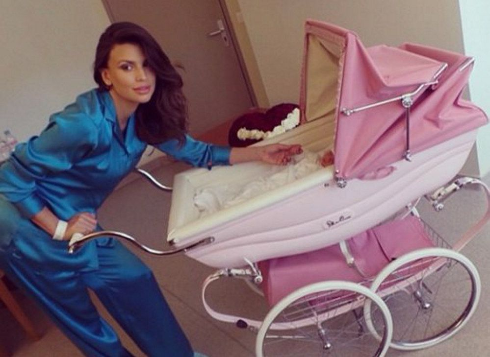 Claudia Galanti: dopo la morte della figlia Indila spiega le cause del decesso