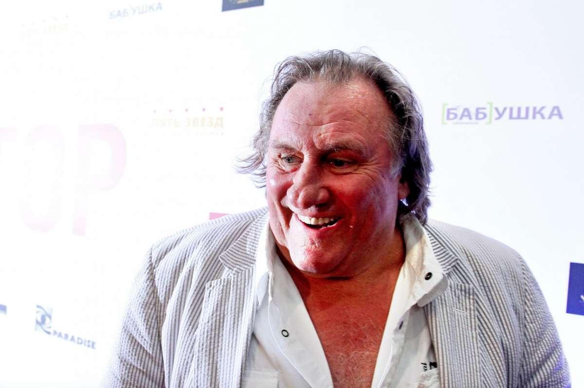 Gerard Depardieu ubriaco, sospeso lo show in Belgio