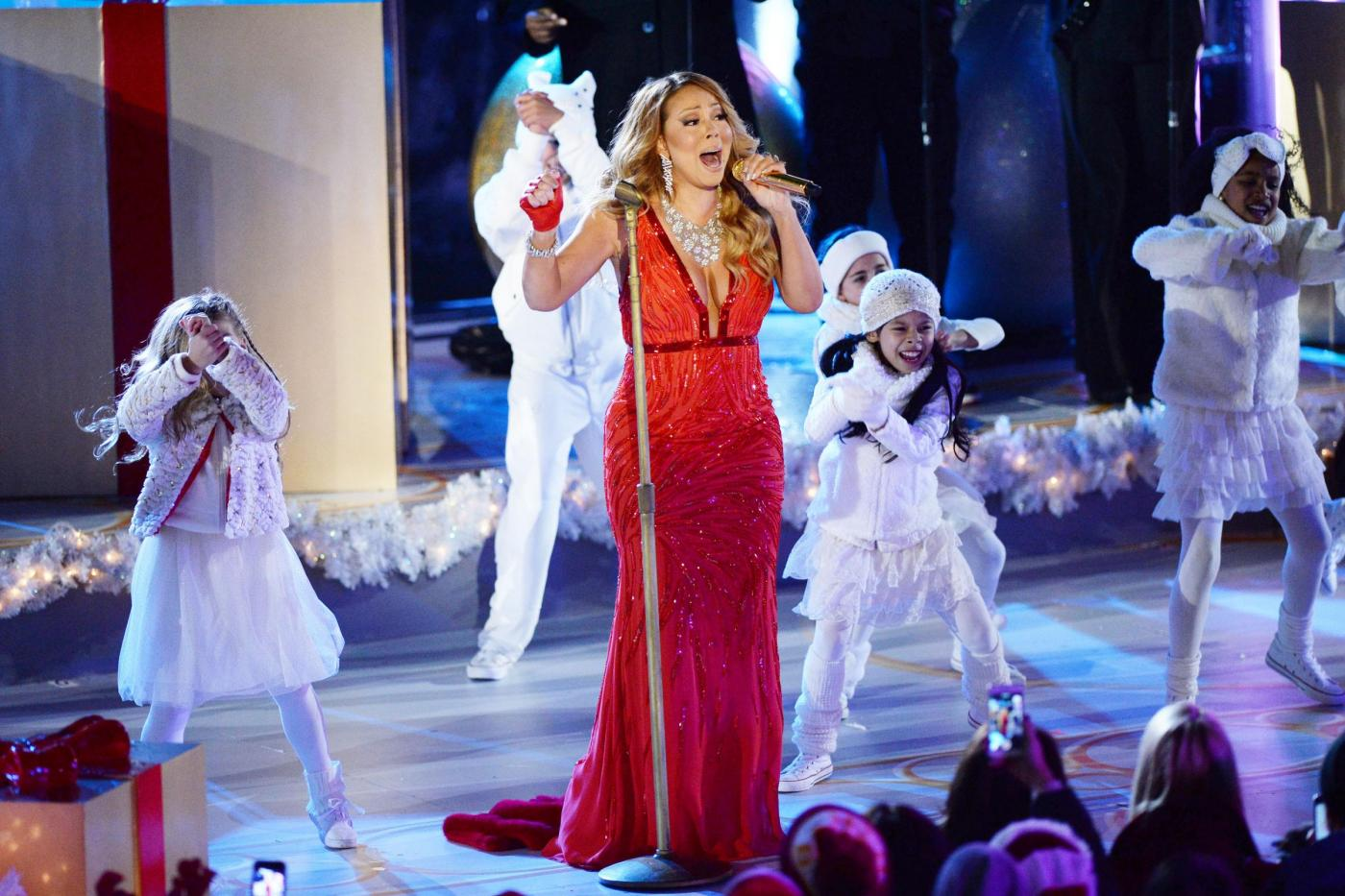 Mariah Carey All I Want For Christmas is You Rockefeller Center