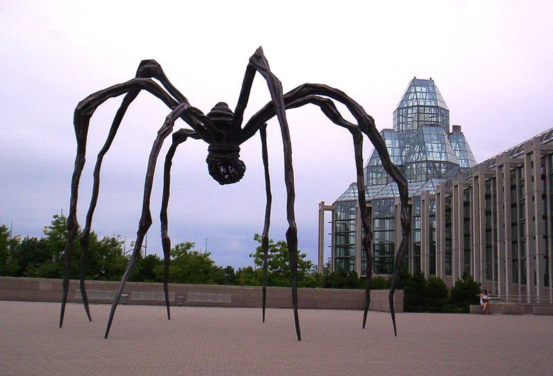 sculture moderne famose maman bourgeois
