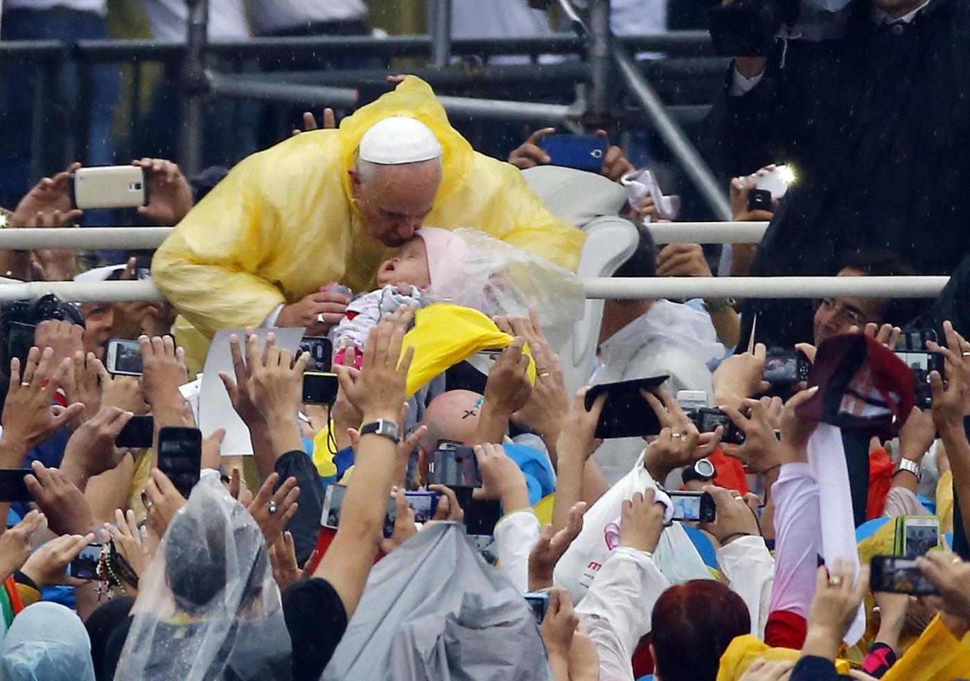 Filippine, Manila: Papa Francesco accolto da oltre sei milioni di fedeli