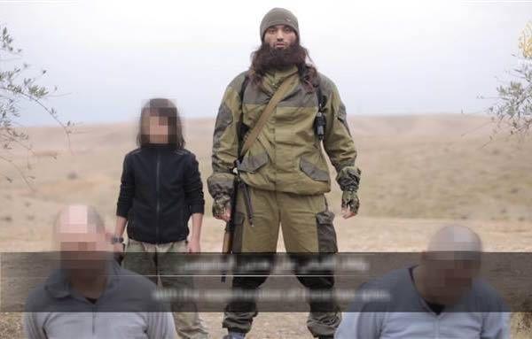 Bambino che spara agli ostaggi russi