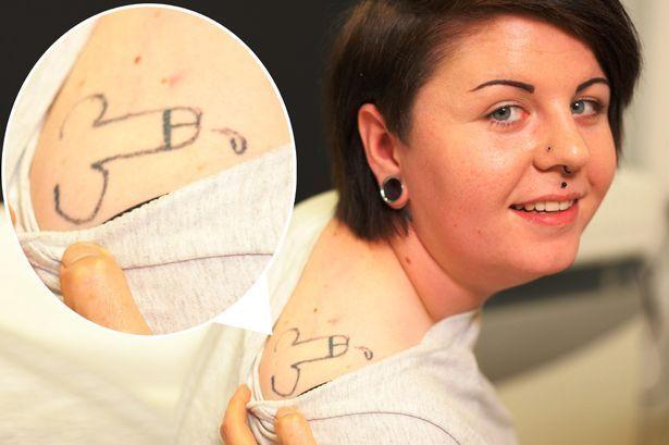 Holly Aston tatuaggio