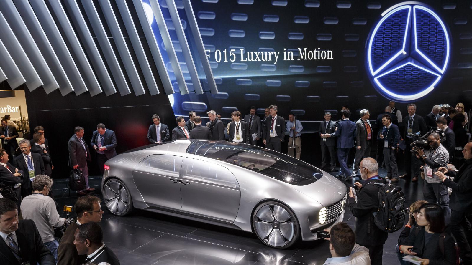 Mercedes F 015 Luxury in Motion concept: presentazione al Salone di Detroit