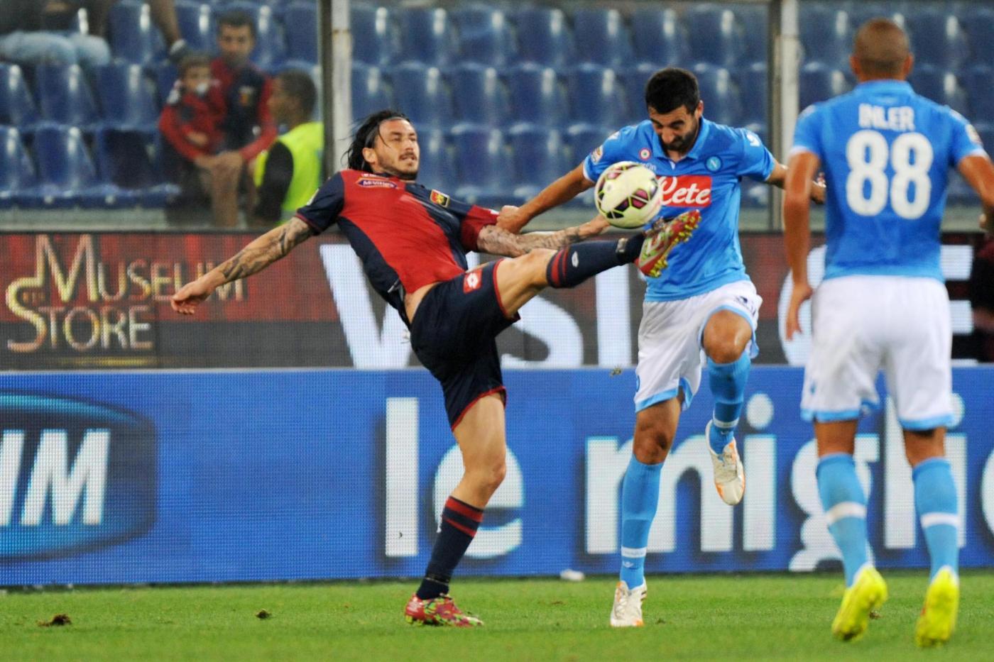 Napoli vs Genoa 2-1: Benitez pesca il doppio aiutino