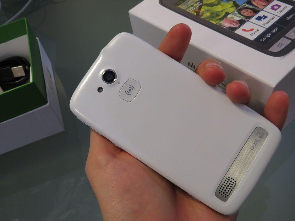 Doro Liberto 820: la recensione dello smartphone per utenti maturi