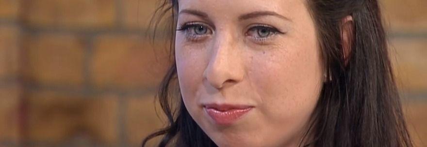 Sarah Tetley stuprata nel sonno dal marito, ora condannato a 12 anni per oltre 300 abusi