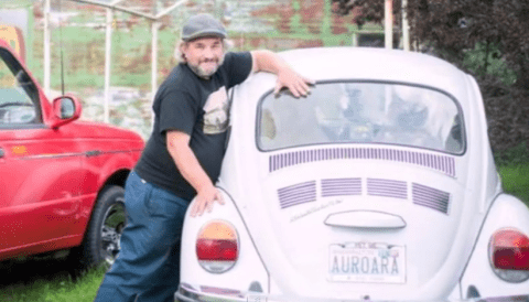 Uomo che ama le auto 150x150