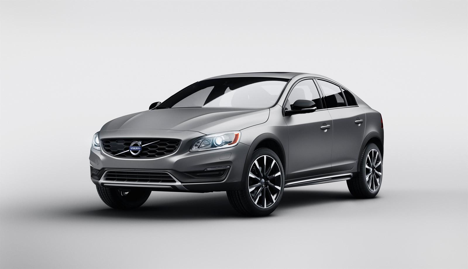 Volvo S60 Cross Country: motori e caratteristiche