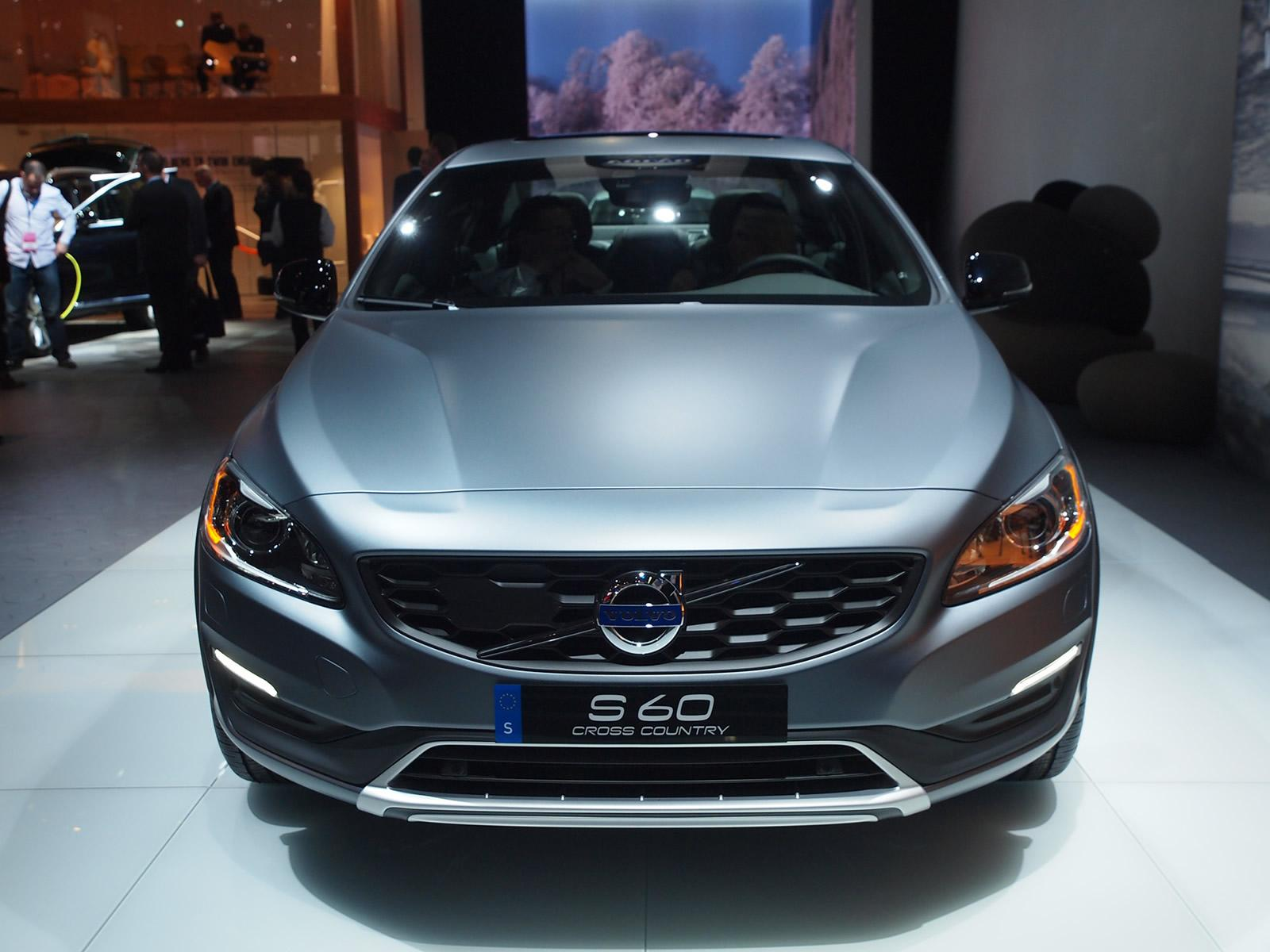 Volvo S60 Cross Country: anteprima al Salone di Detroit 2015