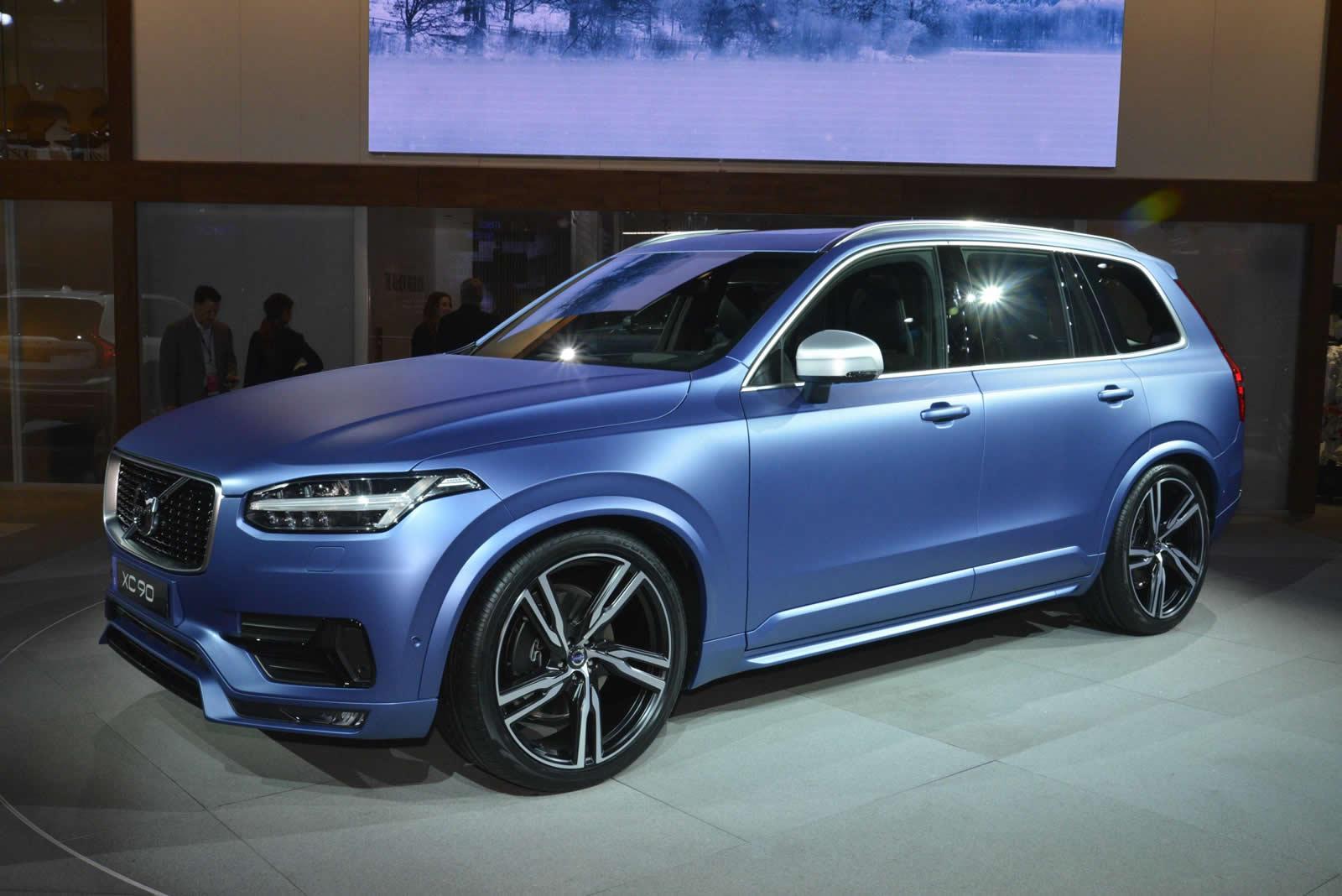 Volvo XC90 R-Design: motori e dati tecnici