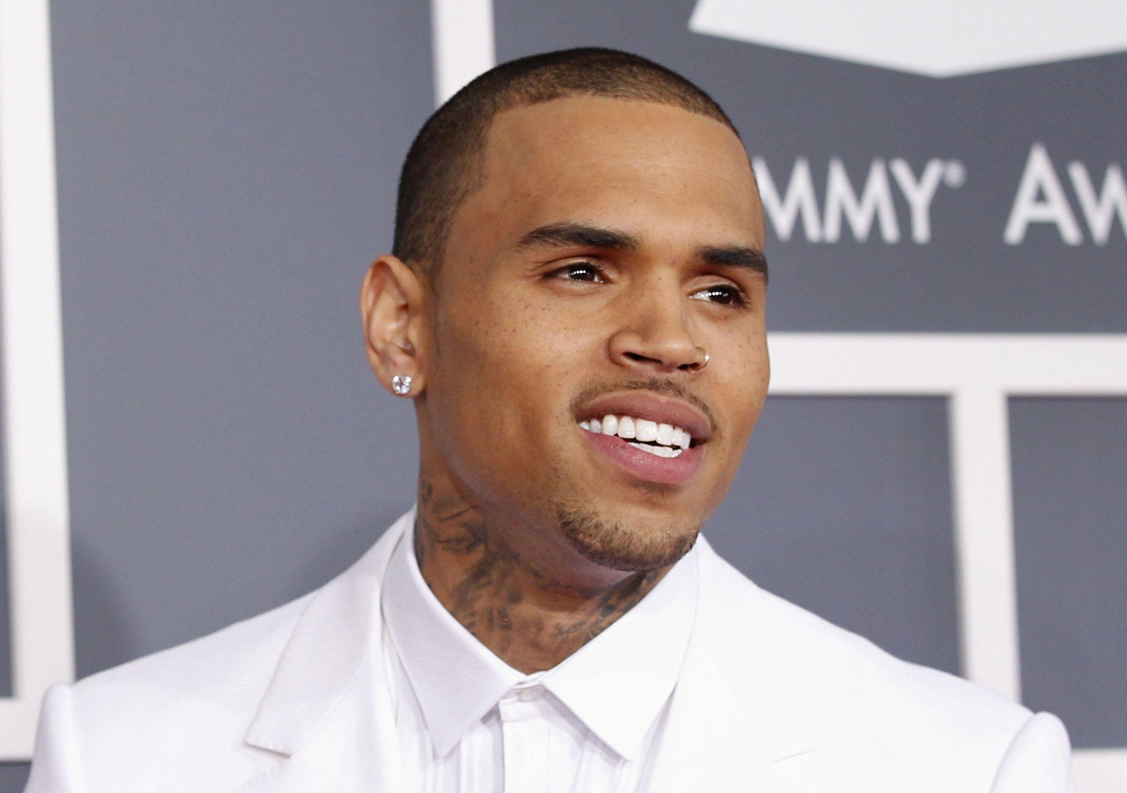 Chris Brown sparatoria