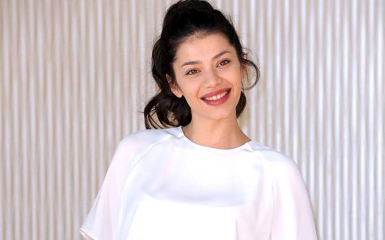 Lavinia Longhi: intervista all'attrice di Italiano Medio e Fuoriclasse