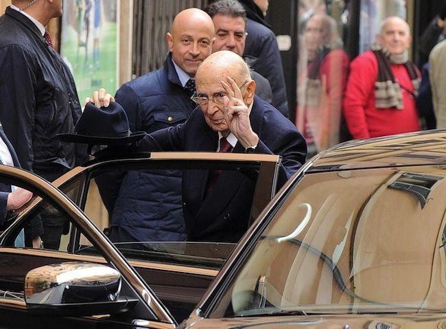 Giorgio Napolitano dimissioni, i saluti allo staff: 'Scusate se ho sorriso poco'