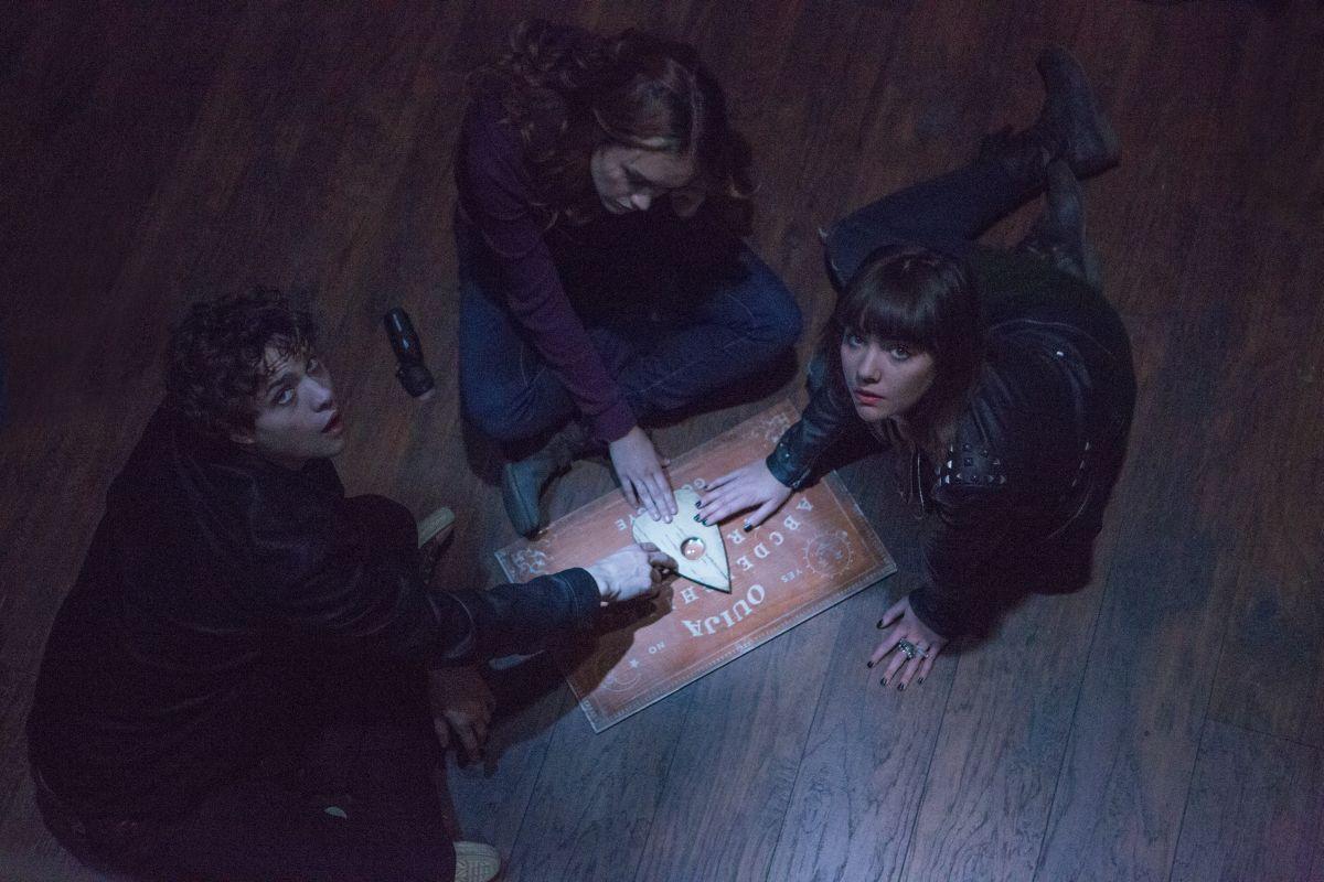 Ouija: trailer italiano e trama dell'horror che ha sbancato i box office di mezzo mondo