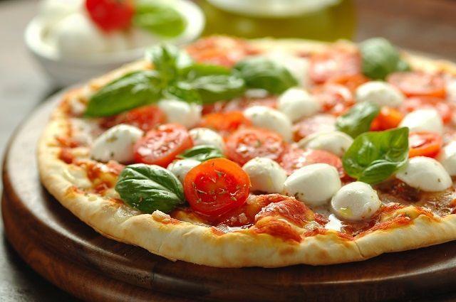 La pizza italiana fa schifo, i commenti incredibili sul web