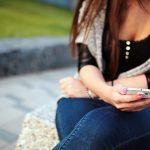 Adolescenti WhatsApp-dipendenti sono come scommettitori compulsivi