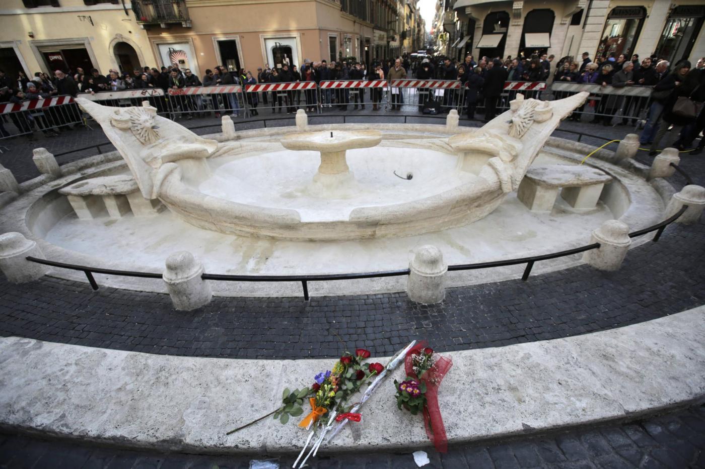 Tifosi olandesi a Roma: Hooligan vandalizzano anche il Vaticano