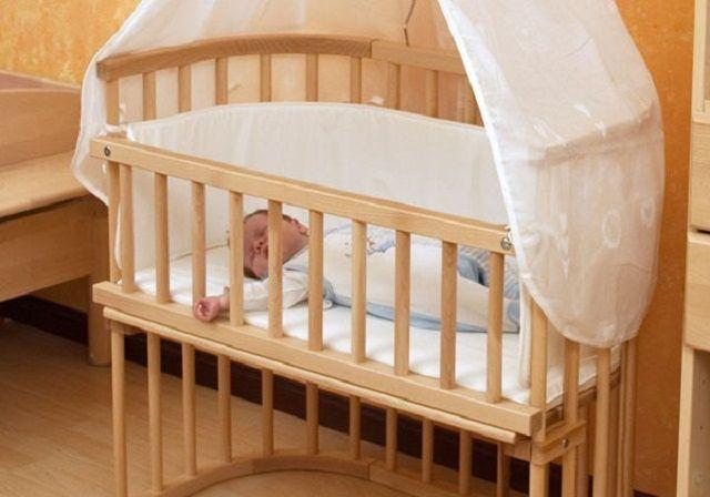 Bimbo di tre mesi muore nel letto, la mamma: 'Volevo sentirlo vicino'