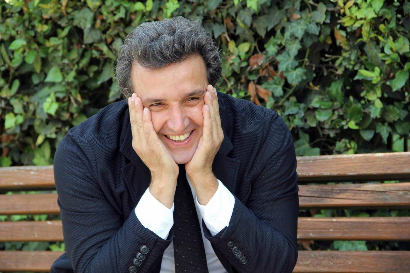 "Intervista a Flavio Insinna: ""Mi sento ancora un bambino"""