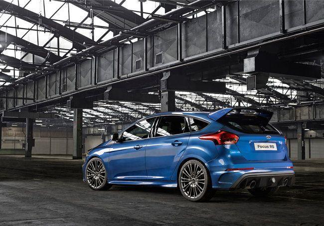 Ford Focus RS tre quarti posteriore