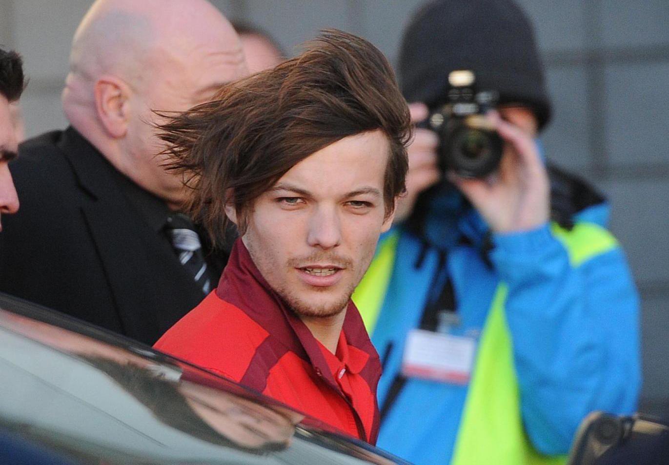 Louis Tomlinson degli One Direction gay? Il presunto coming out del cantante